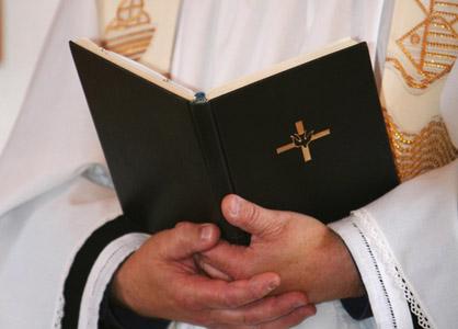 Đức Thánh Cha ca ngợi đông đảo các linh mục thánh thiện