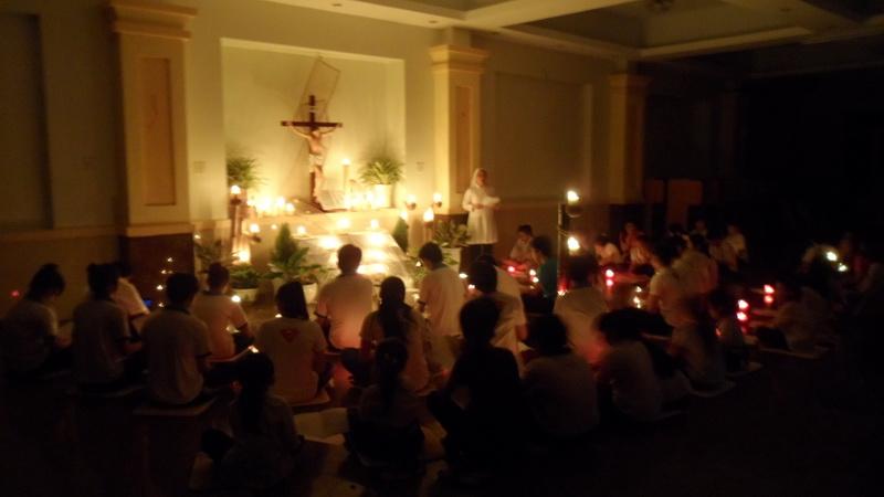Đức Thánh Cha xin tín hữu cầu nguyện cho các giám mục, linh mục và phó tế trong Giáo Hội