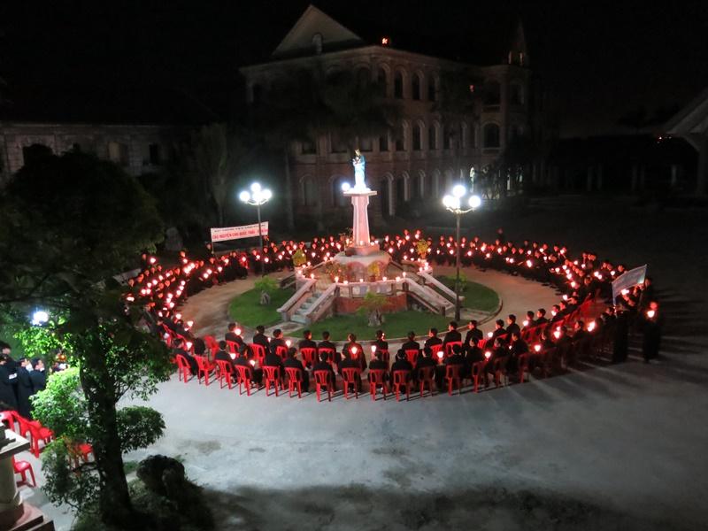 ĐCV Vinh Thanh tổ chức đêm nguyện cầu cho công lý và hòa bình dân tộc