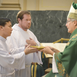Nhận tác vụ giúp lễ – Thầy Jos. Nguyễn Văn Danh, MSA