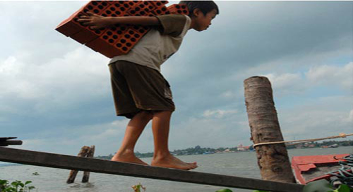 Tệ nạn trẻ em lao động